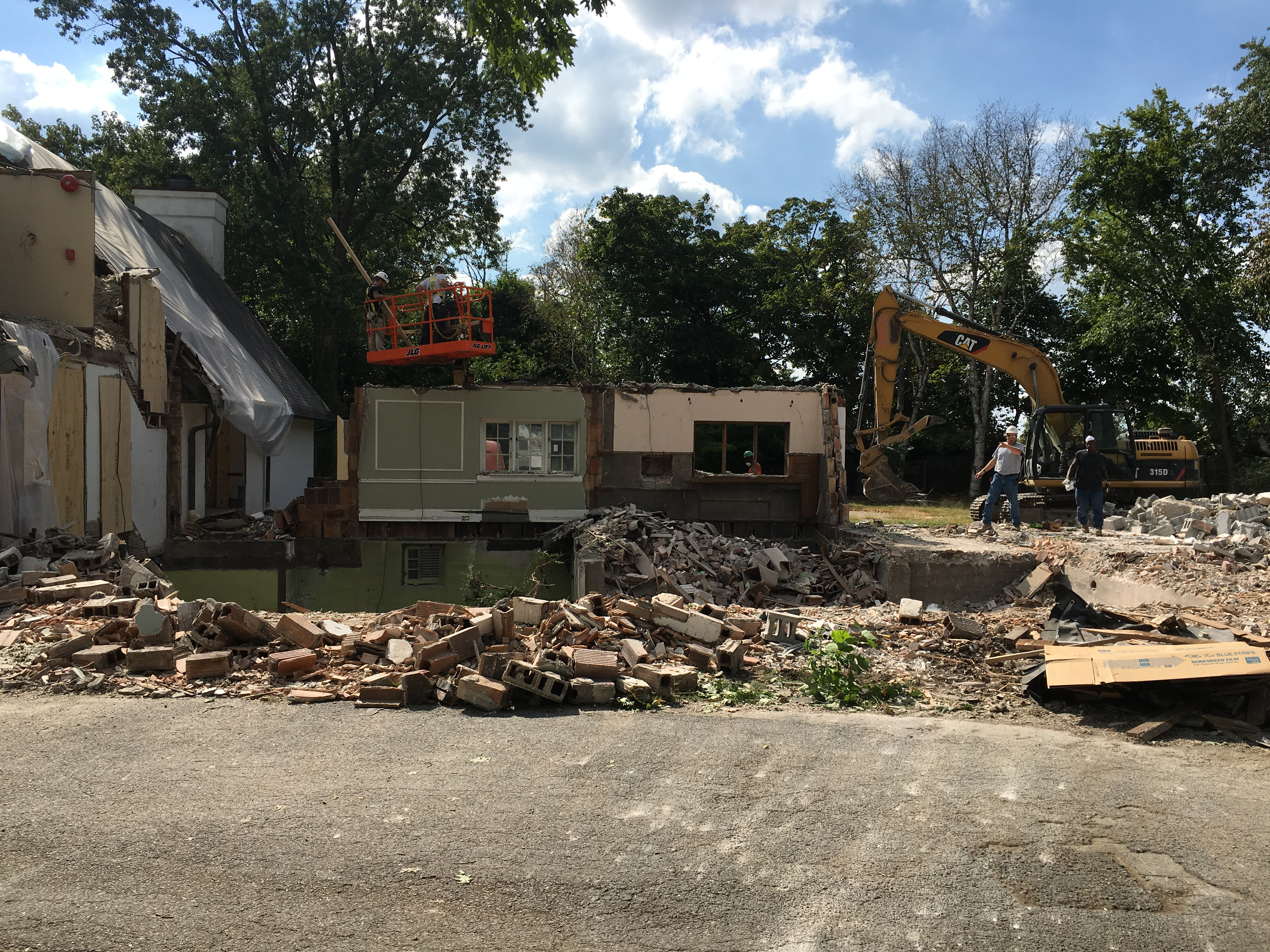 1609 Construction 3