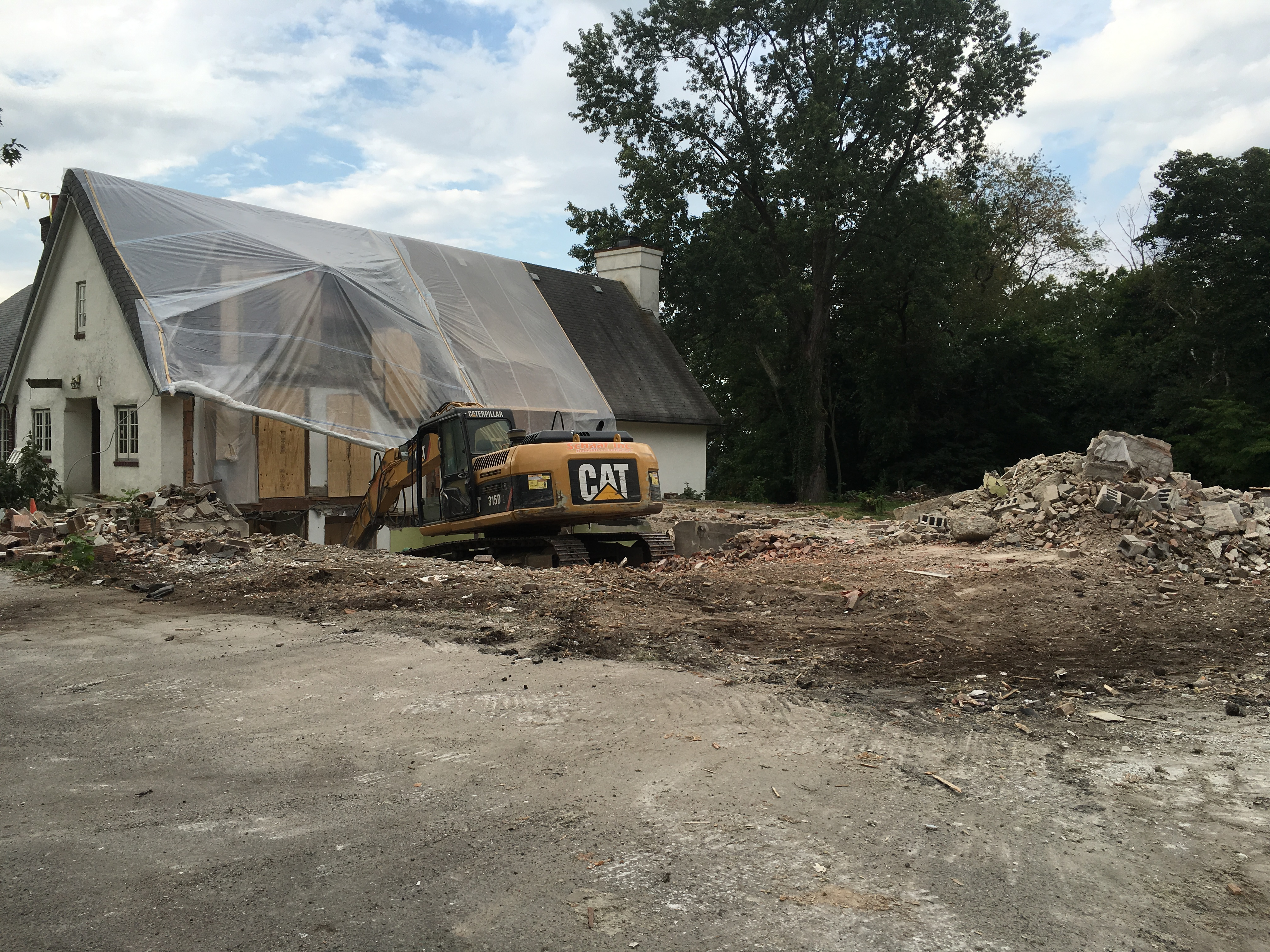 1609 Construction No North Wing